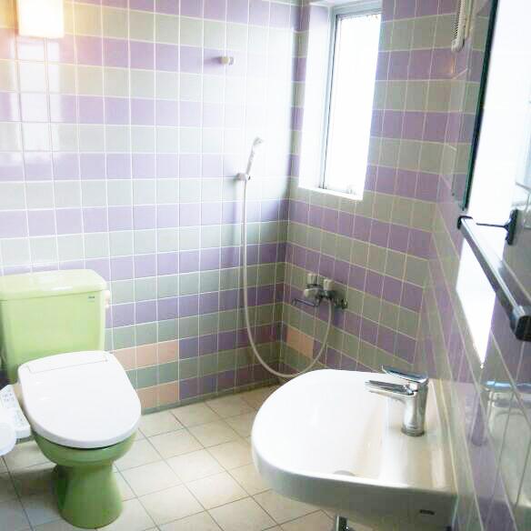 イーフコンドミニアムトイレ&シャワー